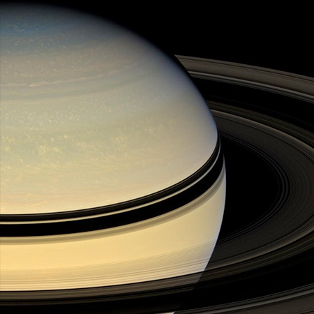 détails du tirage photographique de Saturne par la sonde Cassini