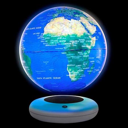 Globe terrestre lumineux en lévitation