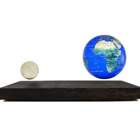 Terre et lune en lévitation