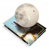 MOONFLIGHT 1969 - Lune en lévitation sur un livre